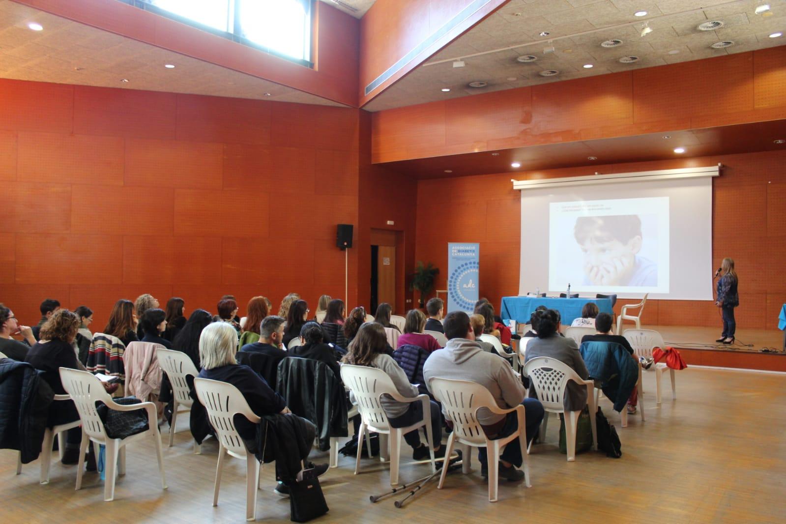 ADC Lleida, formació de diabetis i escola, assistents.