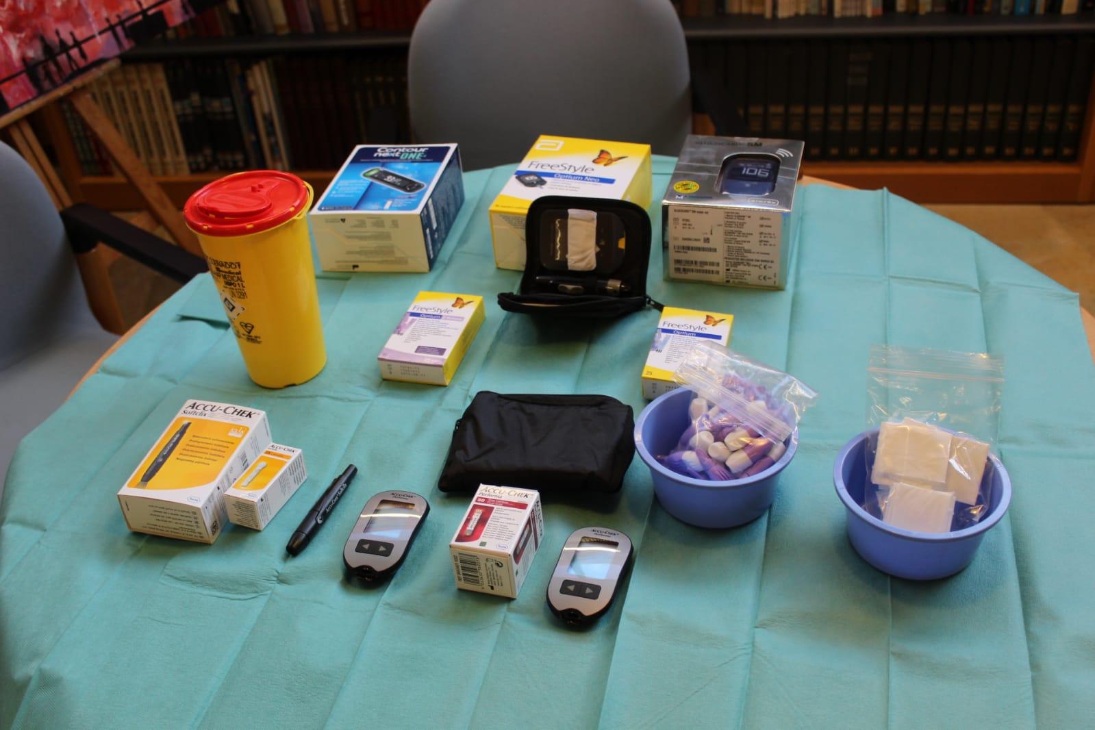 ADC Lleida, formació de diabetis i escola, material.