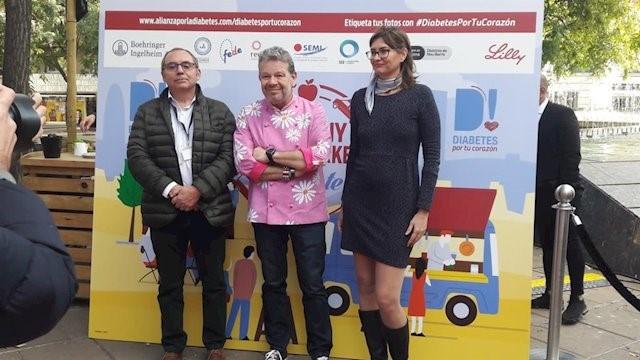 Fotografia de l'Associació de Diabetis de Catalunya amb Alberto Chicote.