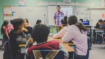 Atenció a l'alumnat amb necessitats especials de salut als centres educatius